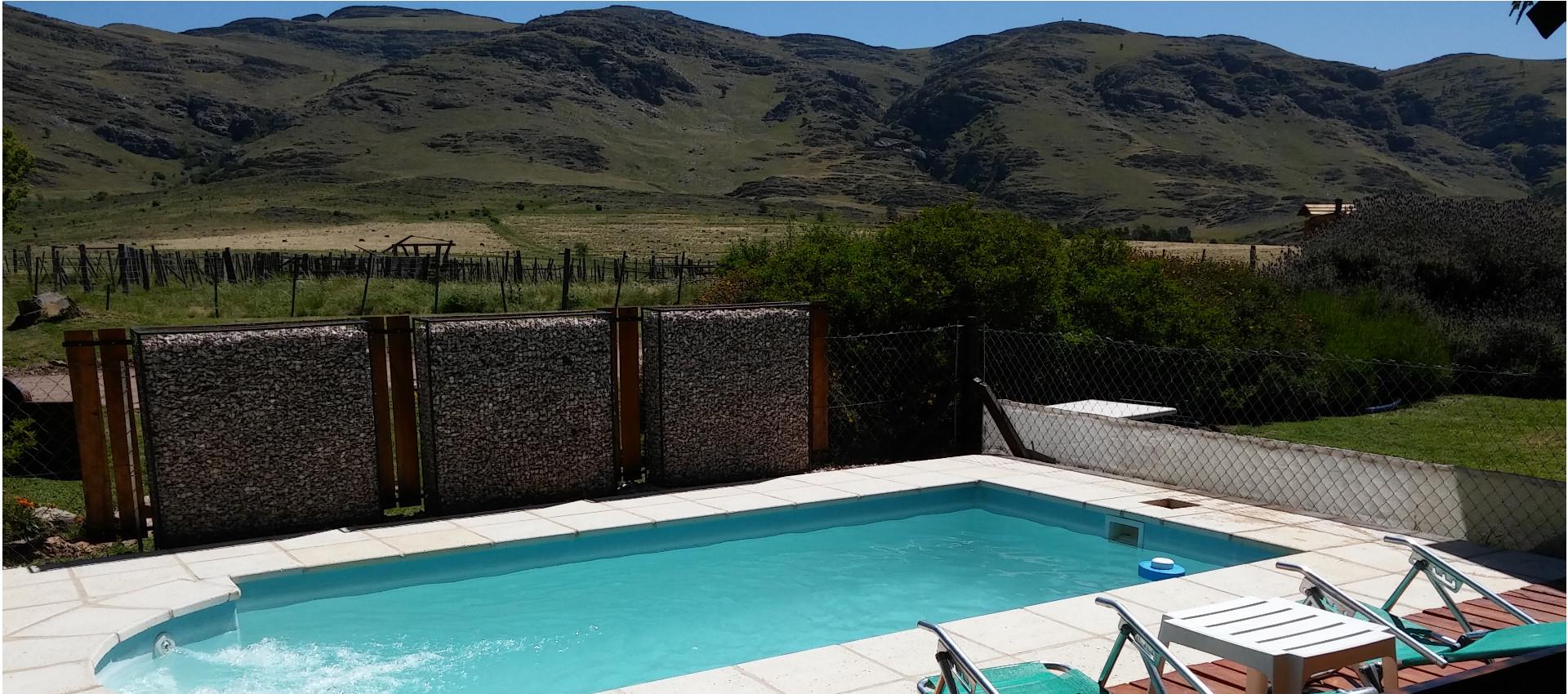 Cabaña con piscina y solarium