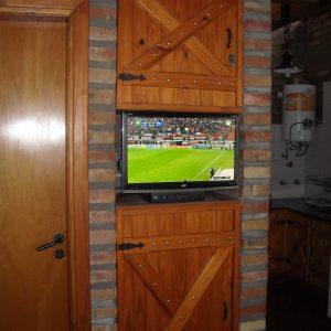Televisión Led con imagen satelital DirecTV Oro