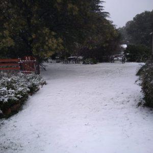 acceso nevado entrando a cabaña Ayutun Hue